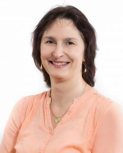 dr. Nusser Nora